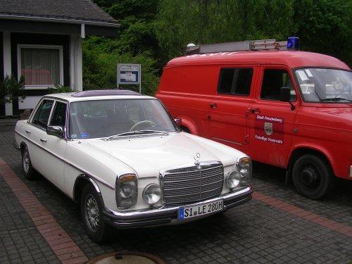 http://www.raimund-schmidt.de/oldtimer/oldtimer_saalhausen_10_47.jpg